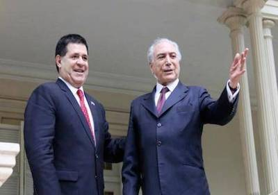 Cartes viajará el lunes a Brasil para tratar temas económicos
