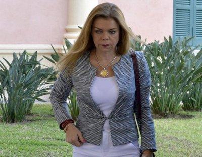Presentan denuncia contra McLeod ante Fiscalía