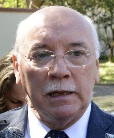 Cartes irá a Brasil para hablar de acuerdo económico, dice Loizaga
