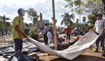 Campesinos abandonan Asunción sin el subsidio