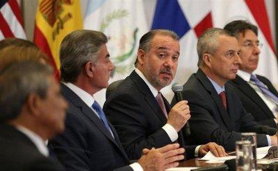 Fiscales rechazan corrupción y pactan colaboración