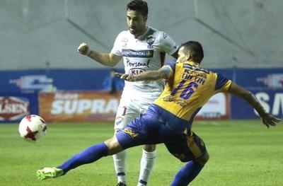 Entretenido empate entre Nacional y Luqueño