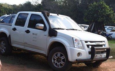Despliegue con vehículos oficiales en almuerzo político