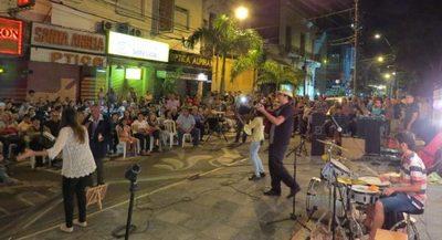 """""""El folclore sale a las calles"""" sobre Palma"""