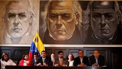 Congreso venezolano se declara en resistencia ante dictadura militar
