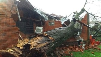 Temporal causa destrozos en Itapúa