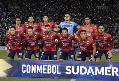 Nacional recibe a Estudiantes de la Plata por la Sudamericana