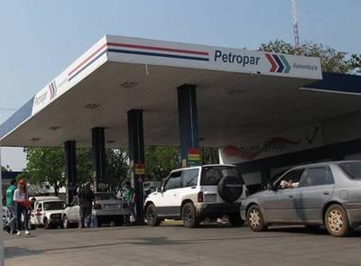Combustible más barato este sábado en Petropar