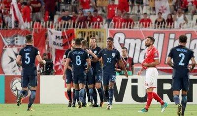 Inglaterra golea y se acerca al Mundial