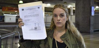 Gobierno de Maduro le prohibió la salida del país a Lilian Tintori