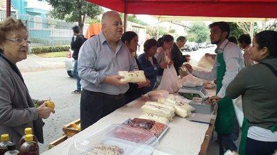 Feria Tembi'urã en honor a Santa María