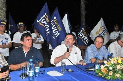 Blas Llano critica al mezquino Efraín Alegre