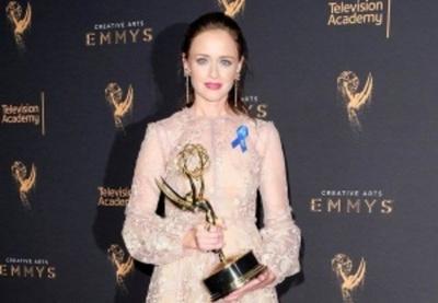 Programas de HBO pisan fuerte en los Emmy creativos