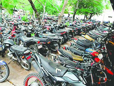 Ranking de infracciones. No retiran motos por elevadas multas