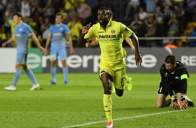 Un golazo de Bakambu rescata al Villarreal