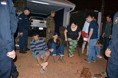 Aprehenden a cinco personas por crimen de comerciante