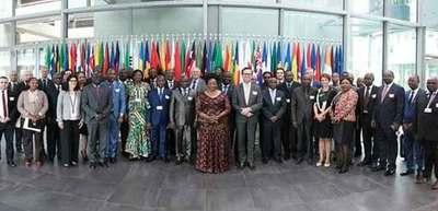 Se realizó seminario sobre cooperación en La Haya