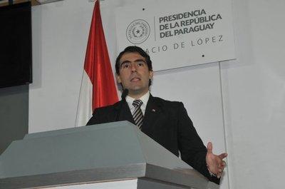 Soto deja su cargo como ministro de la Juventud
