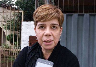 """""""Cuando se la metes chilla, la sacas y llora"""": El otro yo de Desirée y la gata Flora"""