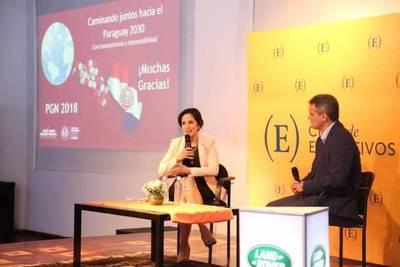 Ministra de Hacienda explica el PGN 2018 a empresarios