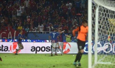 Cerro golea al Indio y vuelve a prenderse en el Clausura
