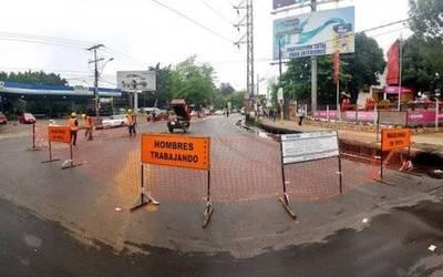 """Lluvia"" de quejas por obra sobre concurrida avenida"