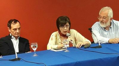Escritora paraguaya presentó antología en versión trilingüe