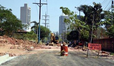 Descoordinación entre contratistas atrasa obras en Avda. Acceso Este