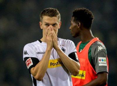 La cuenta del  Mönchengladbach se burla de su defensa