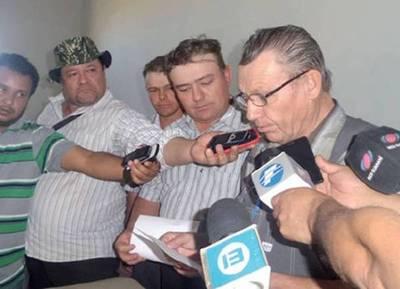 """Los menonitas contra el gobierno: """"No existe voluntad de rescatar a los secuestrados"""""""