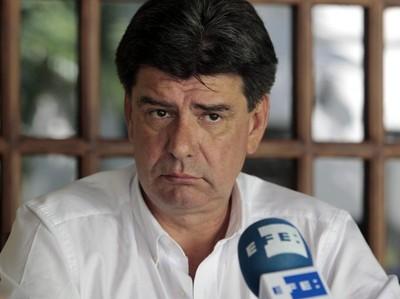 """Afirman que Efraín Alegre quiere jugar de """"letradito"""" y tomar decisiones a su antojo"""