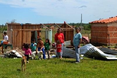 Reportan más de 3.000 familias damnificadas tras temporal