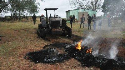 Fuerza de seguridad protege trabajos de siembra de menonitas en Paraguay