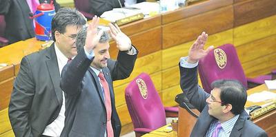 """Aplaudieron la quema del Congreso y quieren el """"rekutu"""""""