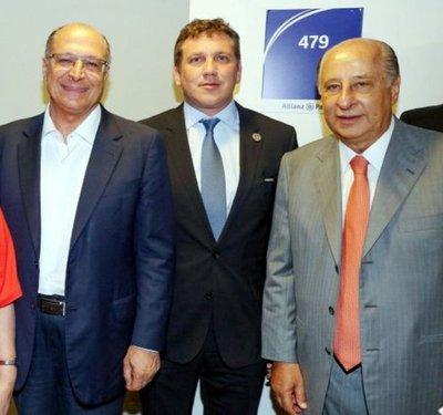 Domínguez disfrutaba, Paraguay se eliminaba