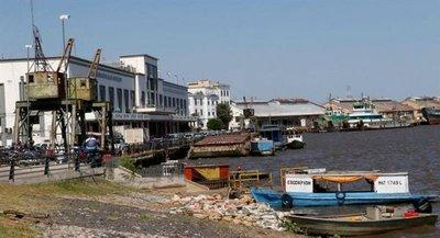 Puerto de Asunción busca renacer de sus cenizas