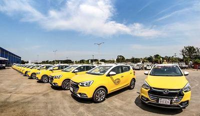 MIC entregará 12 nuevos vehículos paraguayos a taxistas