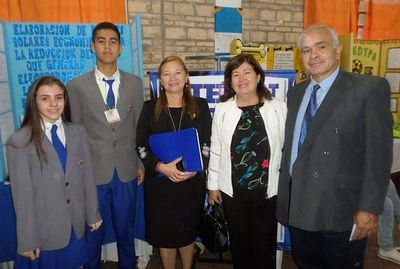 Proyecto de Paneles Solares Económicos premiado en Feria de Ciencia