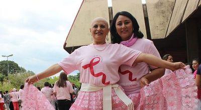 """Día mundial del cáncer de mama: """"Quedé pelada y no lo escondí"""""""
