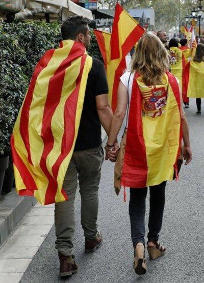 Gobierno español prepara intervención de autonomía catalana