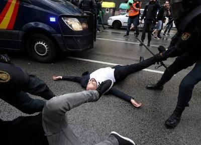 Referéndum en Cataluña: la Policía española reprimió brutalmente a los votantes
