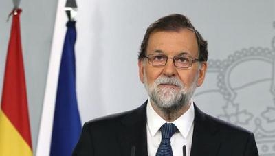 Mariano Rajoy destituye al gobierno catalán e interviene el Parlamento