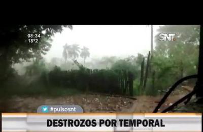 Destrozos en diferentes lugares por el fuerte temporal