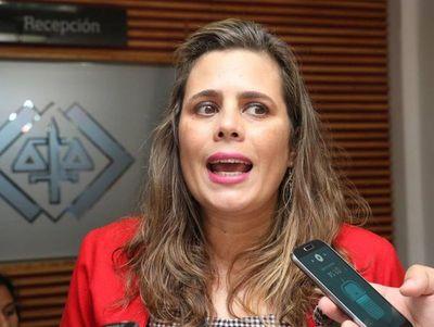 Fiscalía investiga supuestas amenazas a la Abog. Kattya González