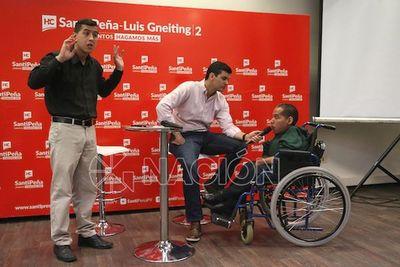 Santiago Peña promete desarrollar políticas públicas de inclusión social