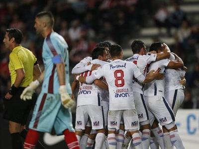 Nacional ante Independiente, en el Defensores