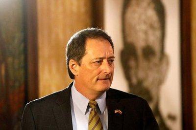 Trump postuló a Lee McClenny como posible embajador en Paraguay