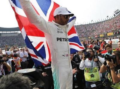 Hamilton acabó noveno en el GP de México