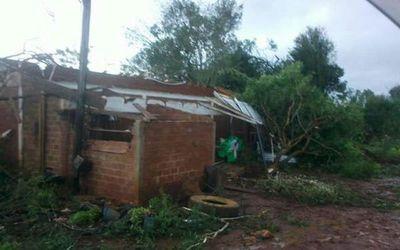 Unas 300 familias afectadas en Itapúa por el temporal