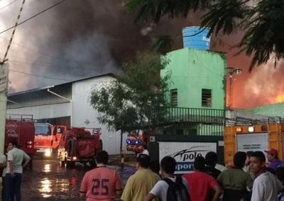 "Bomberos: ""Es difícil determinar la causa del incendio"""